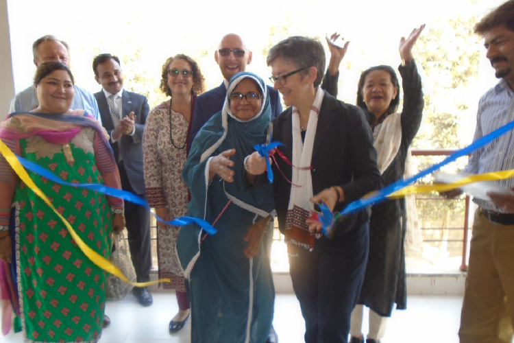 Australian High Commissioner visits Deaf Reach Rashidabad